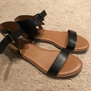 Cole Haan black leather sandals size 7.5